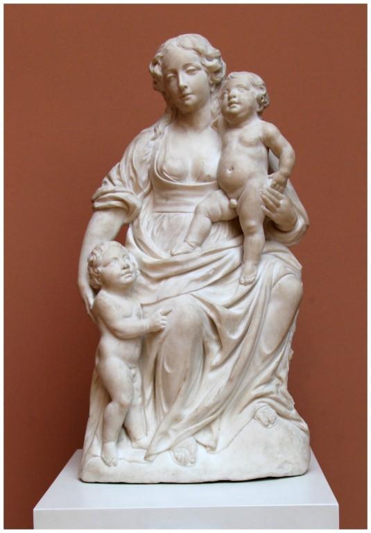 Vierge à l'enfant *