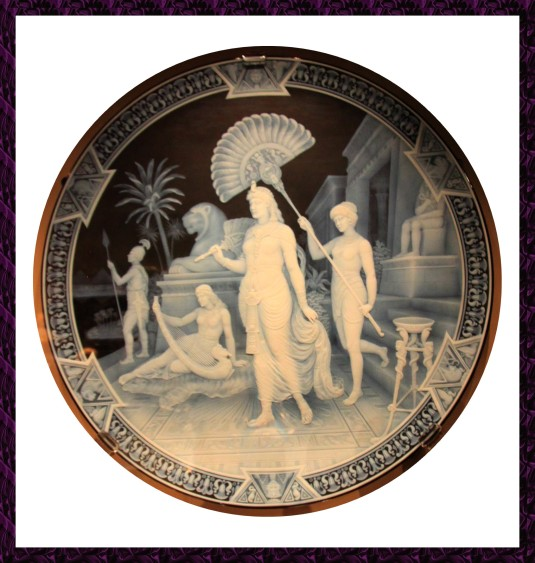 Camée  Cléopatre et ses servantes